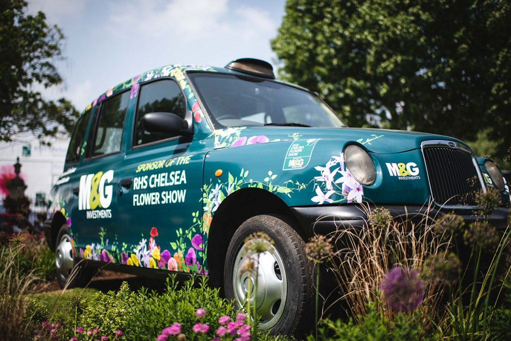 M&GInvestments_TaxiWrap_ChelseaFlowerShow_InSitu